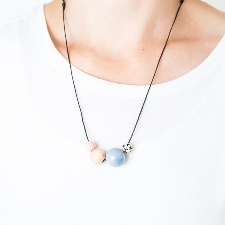 Handgefertigte Kette Perlenmix hellblau